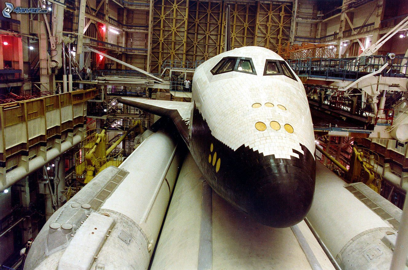 Soviet Buran Space Shuttle Destroyed - Pics about space