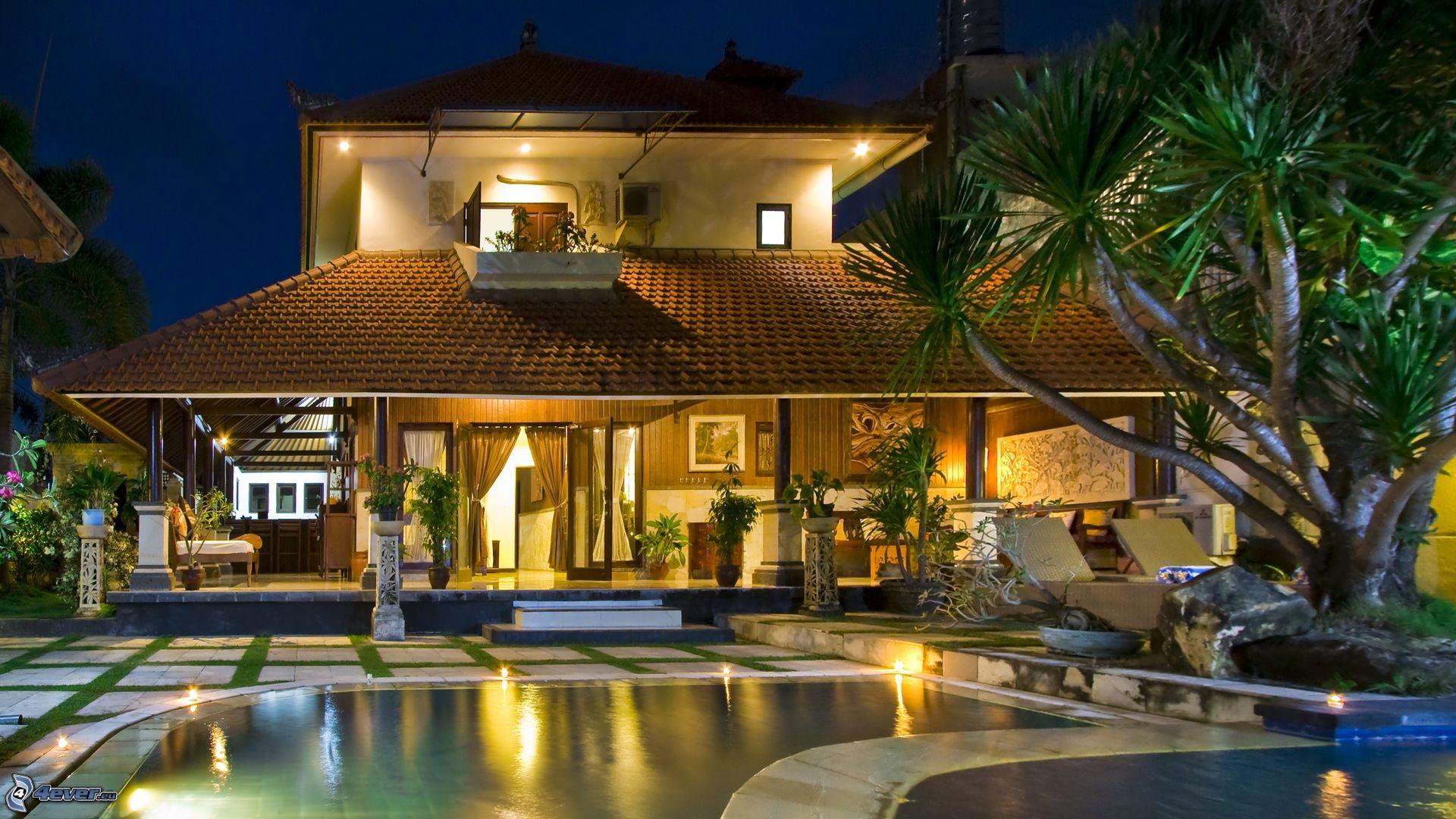 Très villa,-pool-161935.jpg EJ06