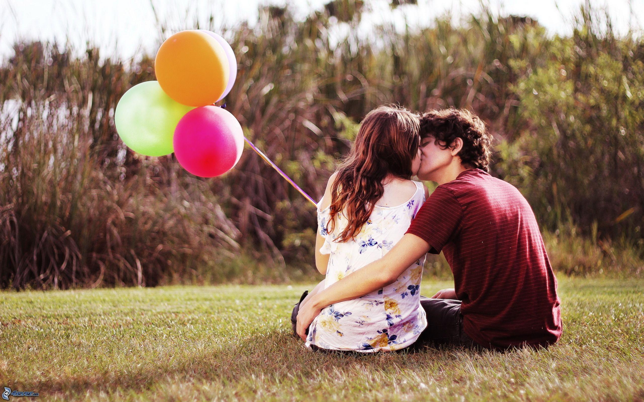[Bí kíp yêu] 7 tuyệt chiêu giúp bạn giữ lửa cho tình yêu luôn nồng ấm